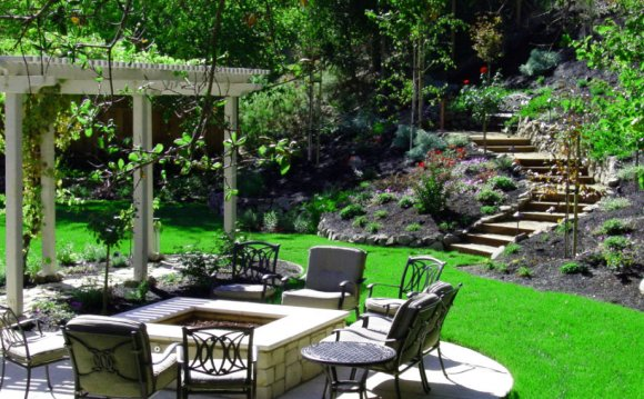 Backyard courtyard design
