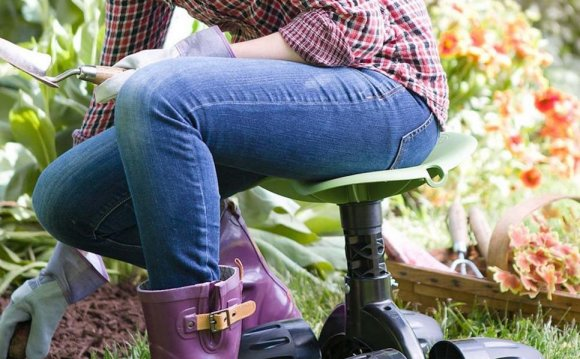 14 Great Gardening Seats 14
