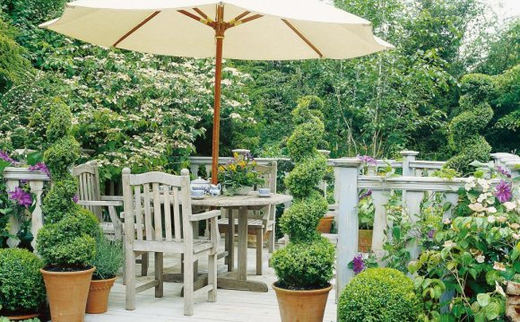 Plantscaping a Deck or Patio