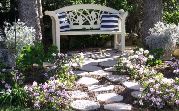 Country Garden Ideas For Small Gardens