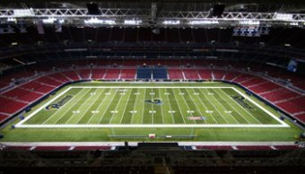 AstroTurf installation at the St. Louis Rams Stadium