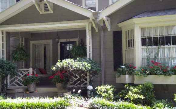 Landscaping Ideas for house with front porch