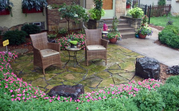 Front yard Patio Design