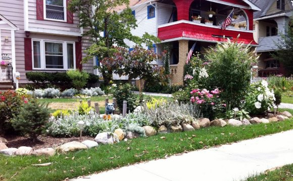 Small front Yard gardens